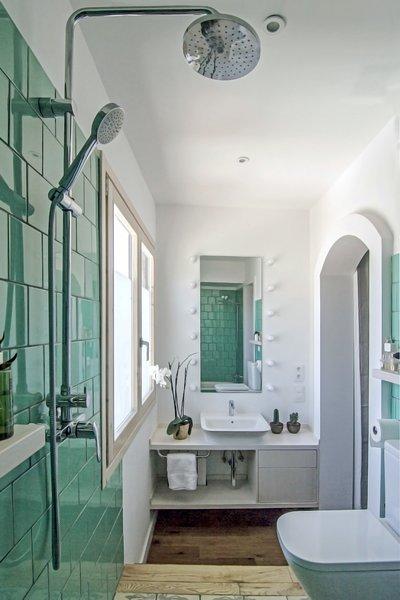 Bath, Light Hardwood, Ceramic Tile, Wall Mount, Open, and Ceramic Tile  Best Bath Wall Mount Light Hardwood Photos from Sol Apartment