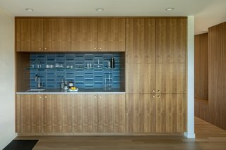 Get a Grip: A Practical Guide to Cabinet Hardware - Photo 2 of 14 -