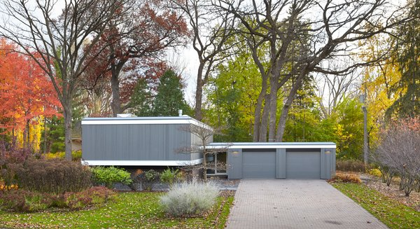 Outdoor, Front Yard, Grass, and Pavers Patio, Porch, Deck  South Tyrol Mid-Century by Peterssen/Keller Architecture