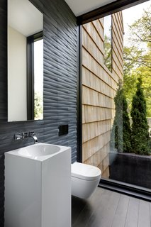 What's the Best Way to Save Space in a Small Bathroom? - Photo 8 of 14 -