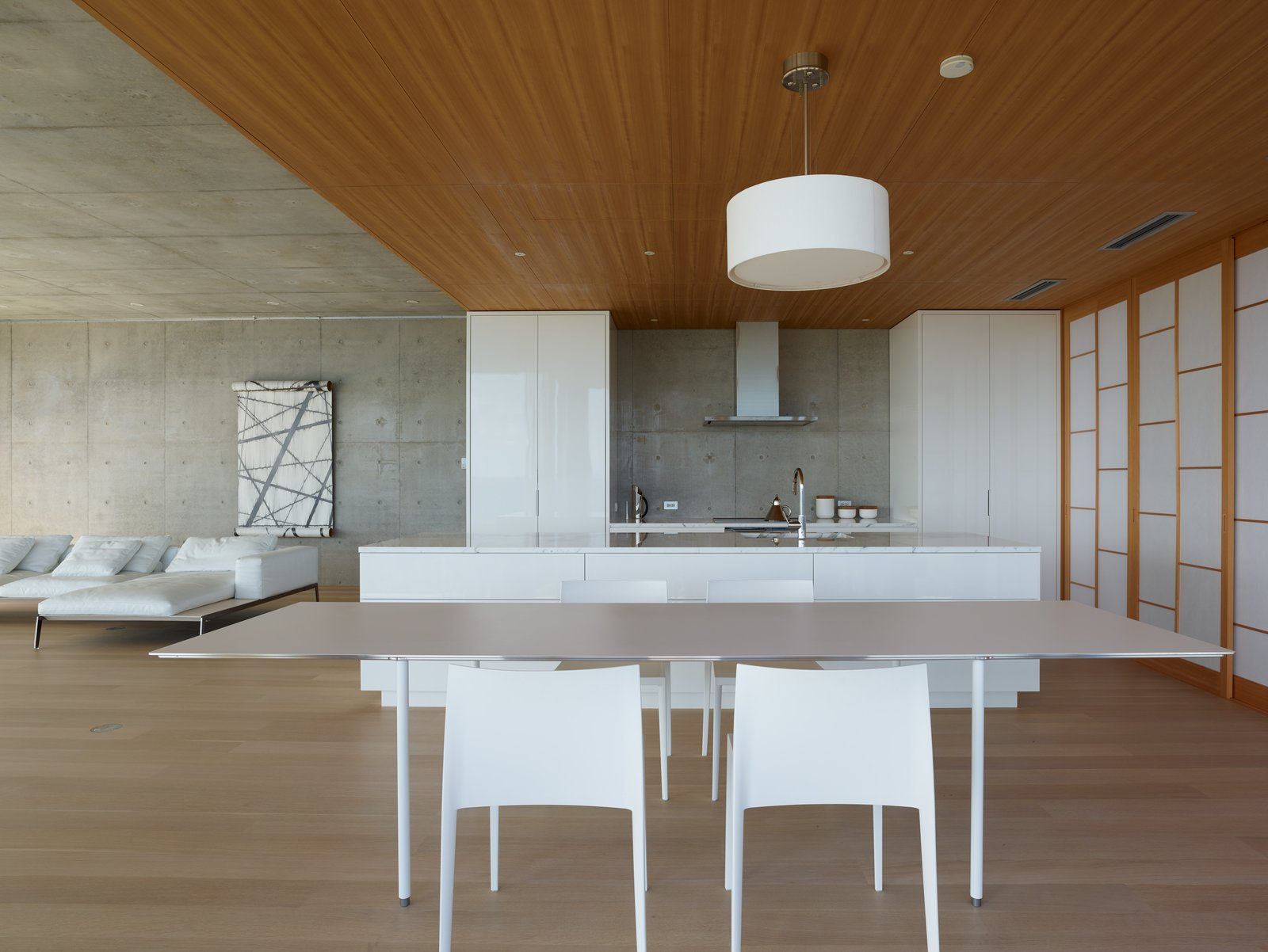 Kitchen  House on Ikema Island by 1100 Architect