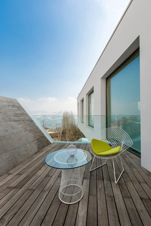 Outdoor and Wood Patio, Porch, Deck  Lavasan Villa by Hariri & Hariri Architecture