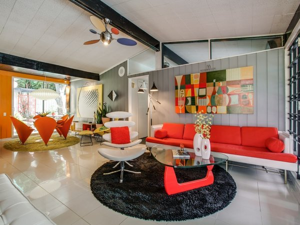 Candy-Colored Mid-Century Modern Throwback