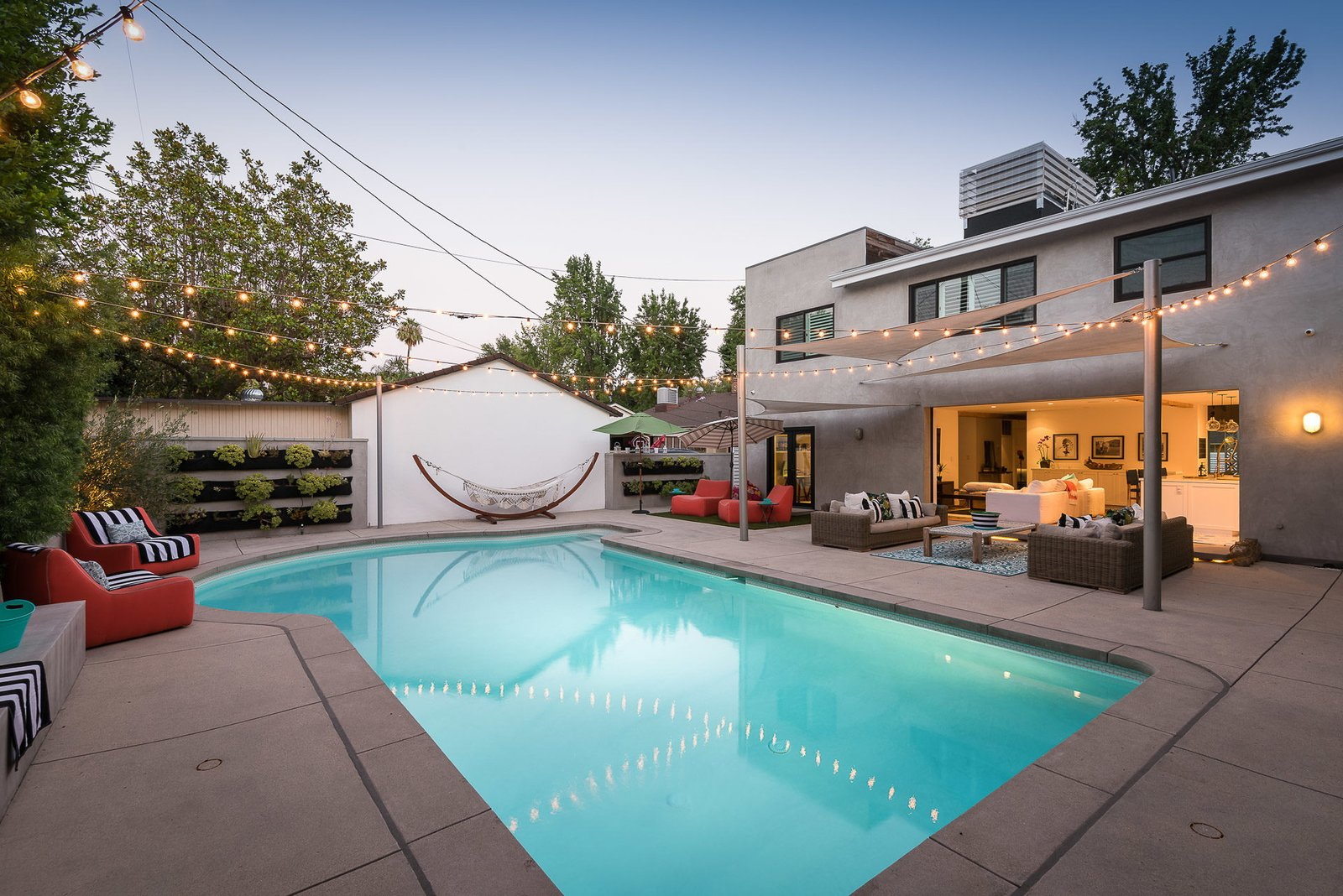 Outdoor, Large Pools, Tubs, Shower, Plunge Pools, Tubs, Shower, and Back Yard  Mid-Century Meets Boho Chic