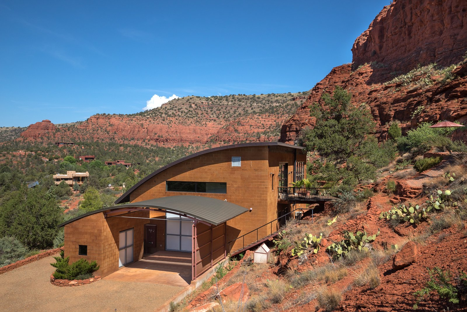 Exterior, House Building Type, and Metal Roof Material  2945 Red Rock Loop Rd.