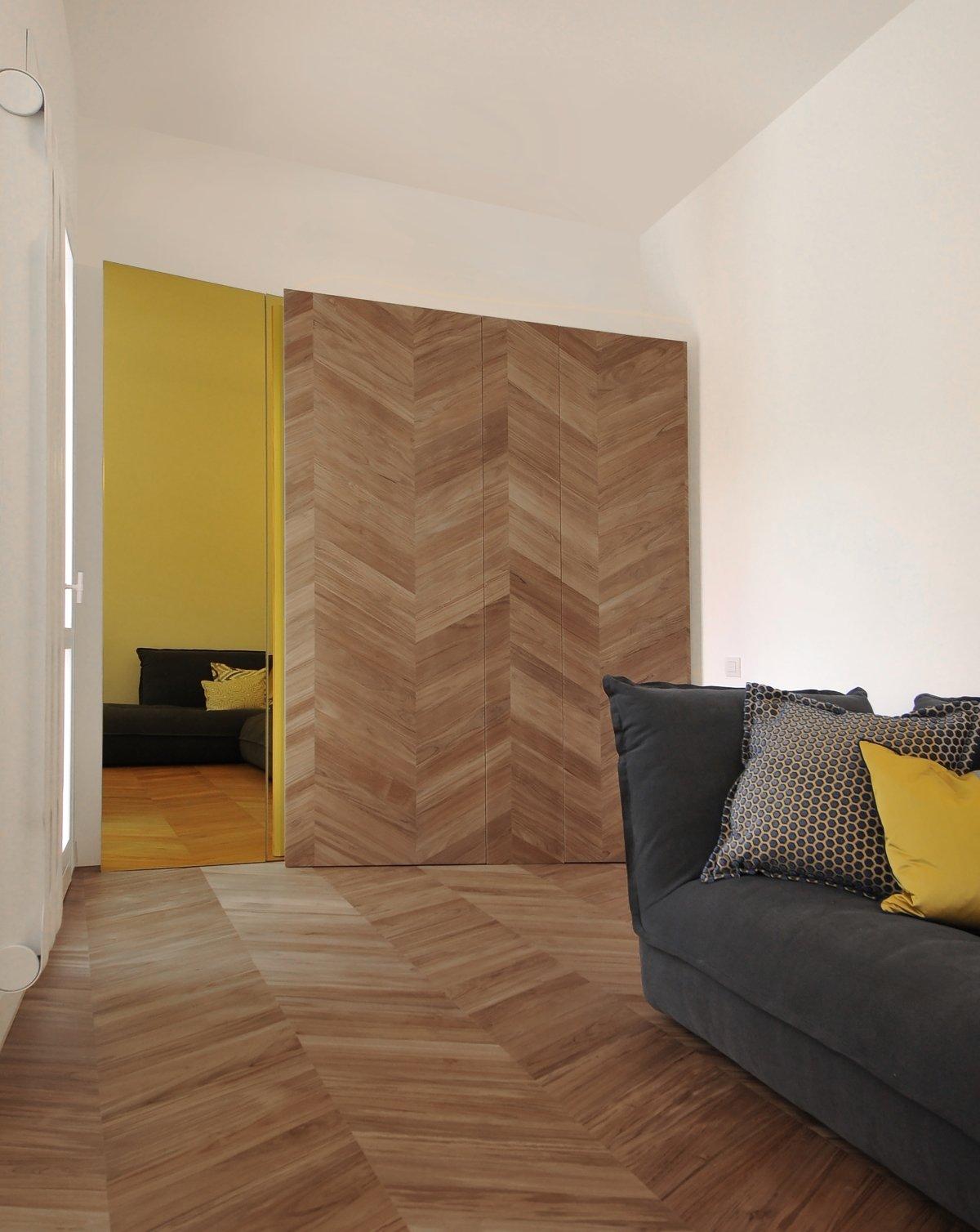 Living Room, Light Hardwood Floor, Sofa, and Ceiling Lighting  cdr