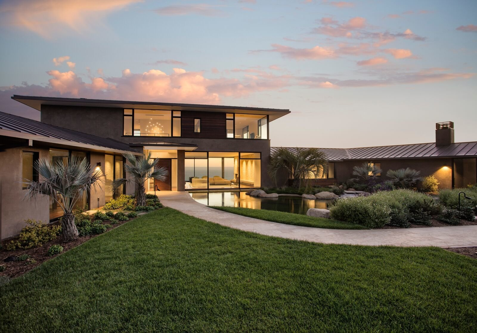 Exterior, House Building Type, Metal Roof Material, Green Roof Material, and Flat RoofLine  Hope Ranch Residence by Blackbird Architects