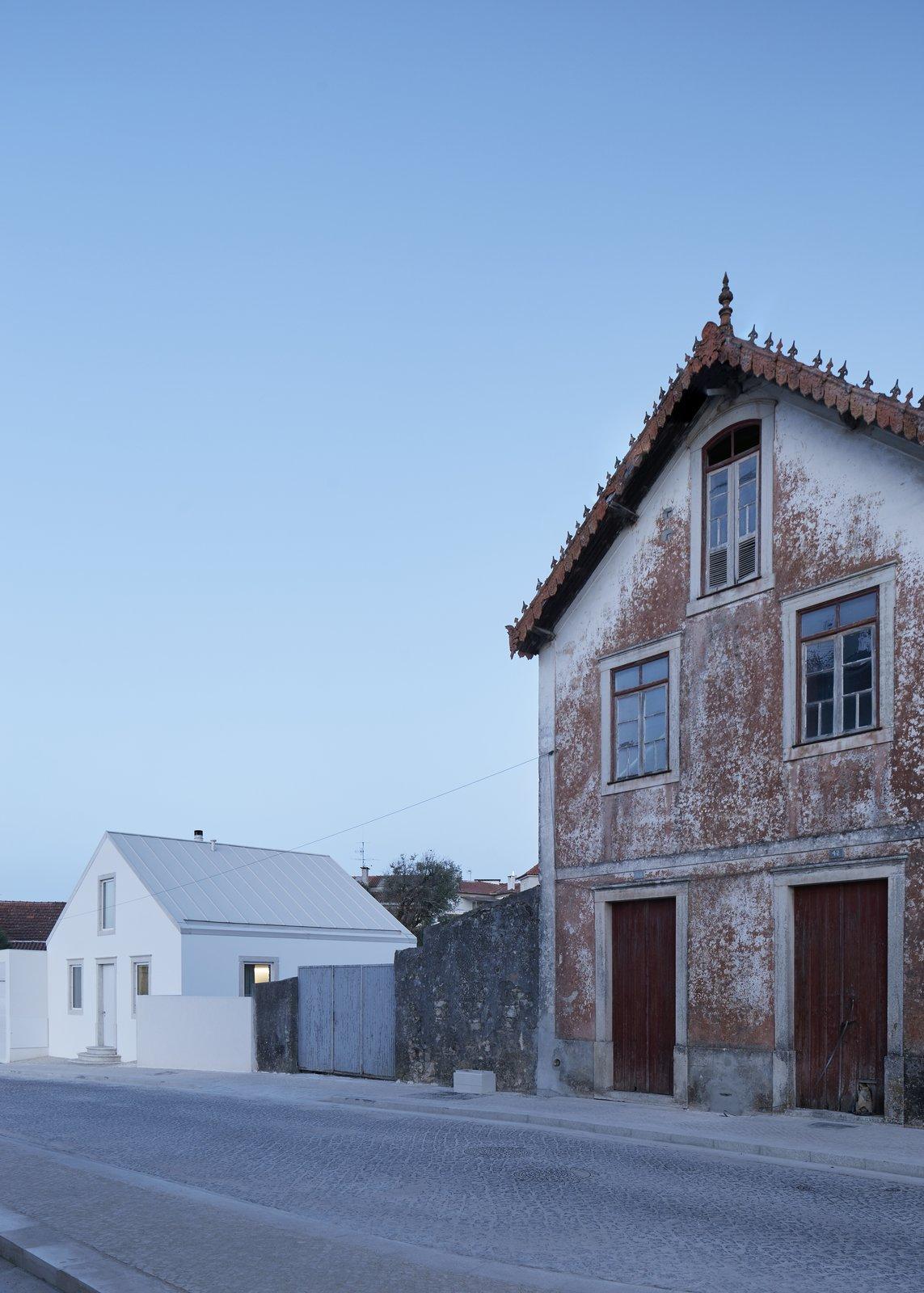 Exterior and House Building Type  Casa Ansião