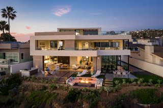 This New Cliffside La Jolla Residence Brings The Outdoors In with Views of One of California's Most Iconic Surf Breaks