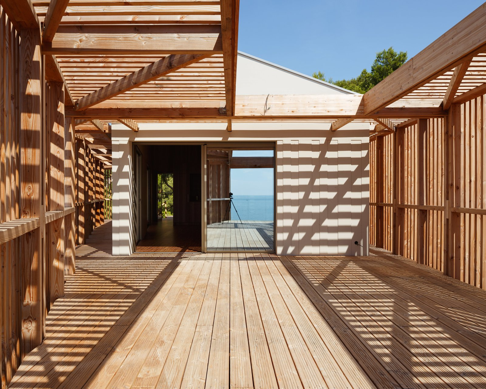 Outdoor, Back Yard, Wood Patio, Porch, Deck, and Wood Fences, Wall  The KGET in Marseille