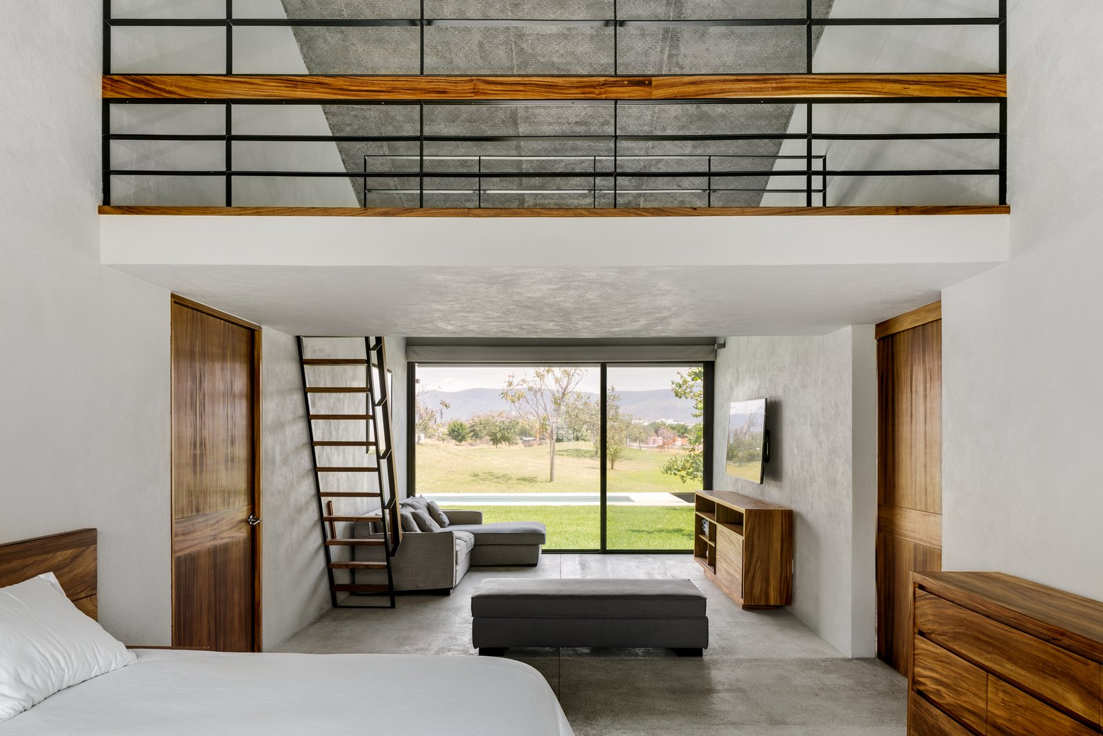 Bedroom and Bed  Casa Paraíso Country Club by DCPP