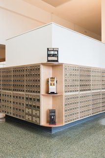 A Historic U.S. Post Office Is Transformed Into a Digital Agency's New Modern Office - Photo 3 of 15 -