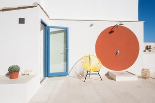 An Old Fisherman's House in Sicily Is Transformed Into 2 Apartments - Photo 10 of 12 -
