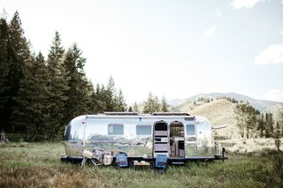 A '71 Airstream Overland International Gets a Gleaming Top-to-Bottom Overhaul