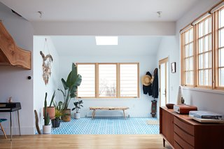This Beachside Pad in San Francisco Is the Stuff of Surfers' Dreams - Photo 7 of 9 -