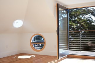 This Beachside Pad in San Francisco Is the Stuff of Surfers' Dreams - Photo 9 of 9 -