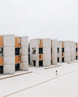 Salk Institute in La Jolla, San Diego. Photo taken by Minh T (@thismintymoment).
