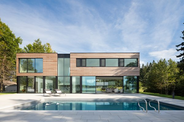 The back of the house is nearly a mirror image of the front—with just a few more windows to take in the views of the ocean.