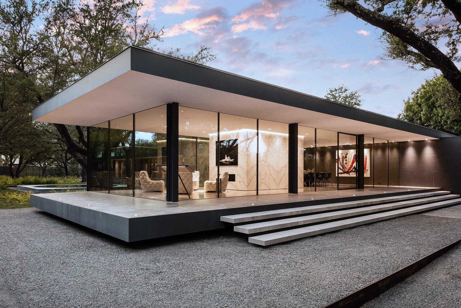 Photo 1 of 10 in A Farnsworth-Inspired Contemporary Home in Dallas Asks $7.9M