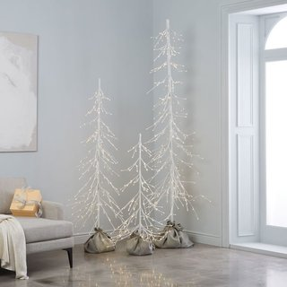Light Up Trees. 10 Festive Alternatives To The Traditional Christmas Tree    Photo 3 Of 10