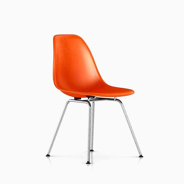 Eames Molded Fiberglass Side Chair with 4-Leg Base