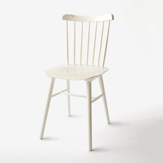 Unison Windsor White Chair