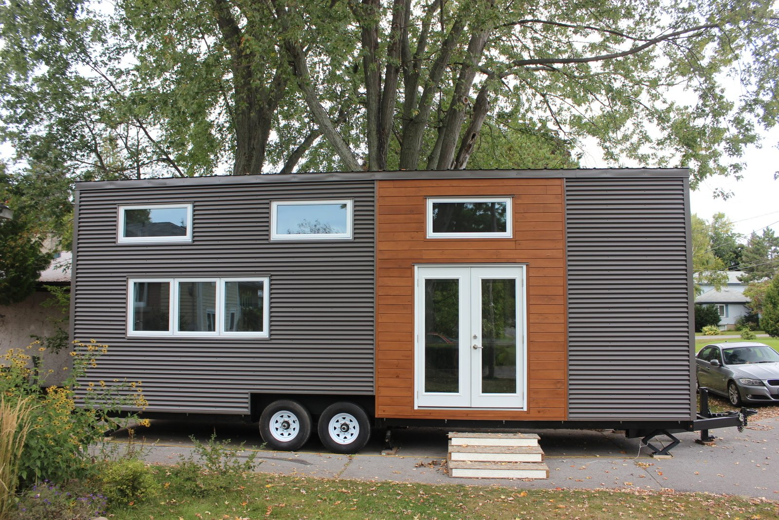 Modern tiny house on wheels modern home in kingston for Tiny homes for sale canada