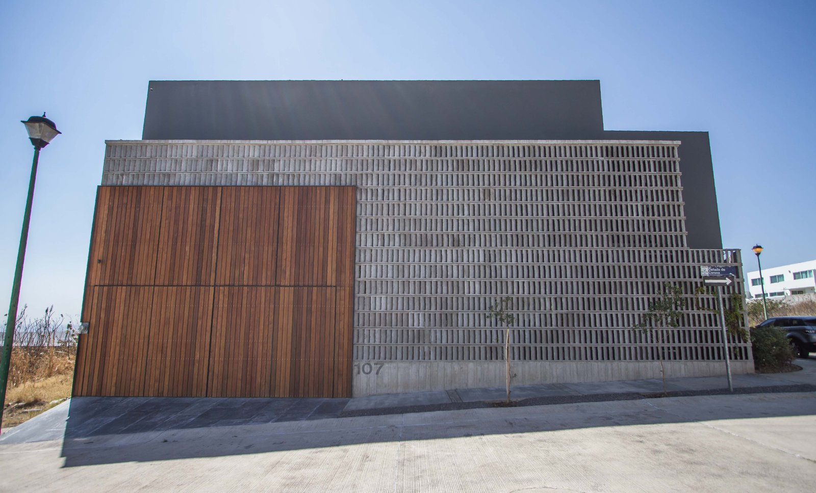 Exterior and House Building Type  CASA HOST by Claudia PCampos