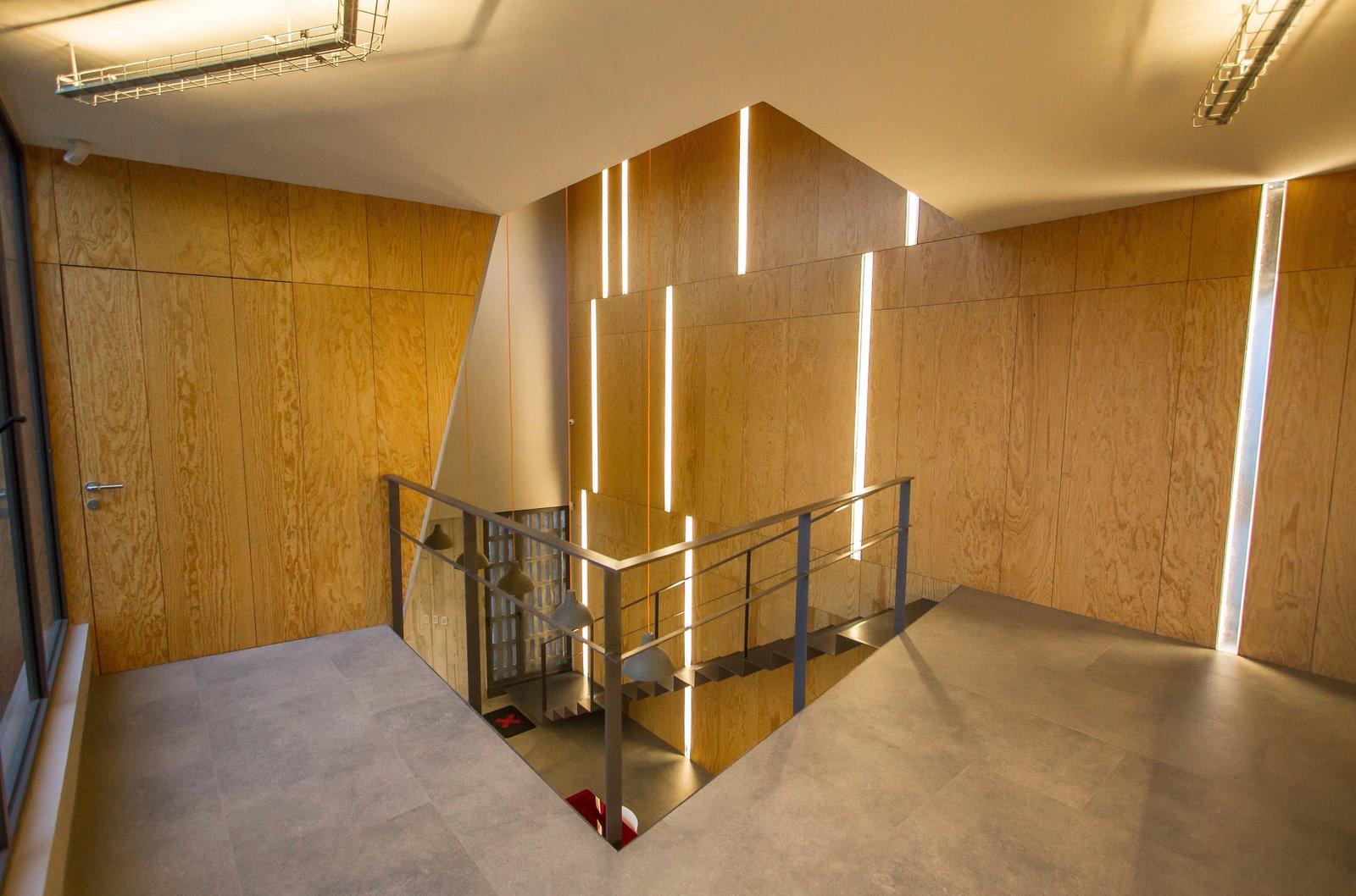 Hallway and Ceramic Tile Floor  CASA HOST by Claudia PCampos