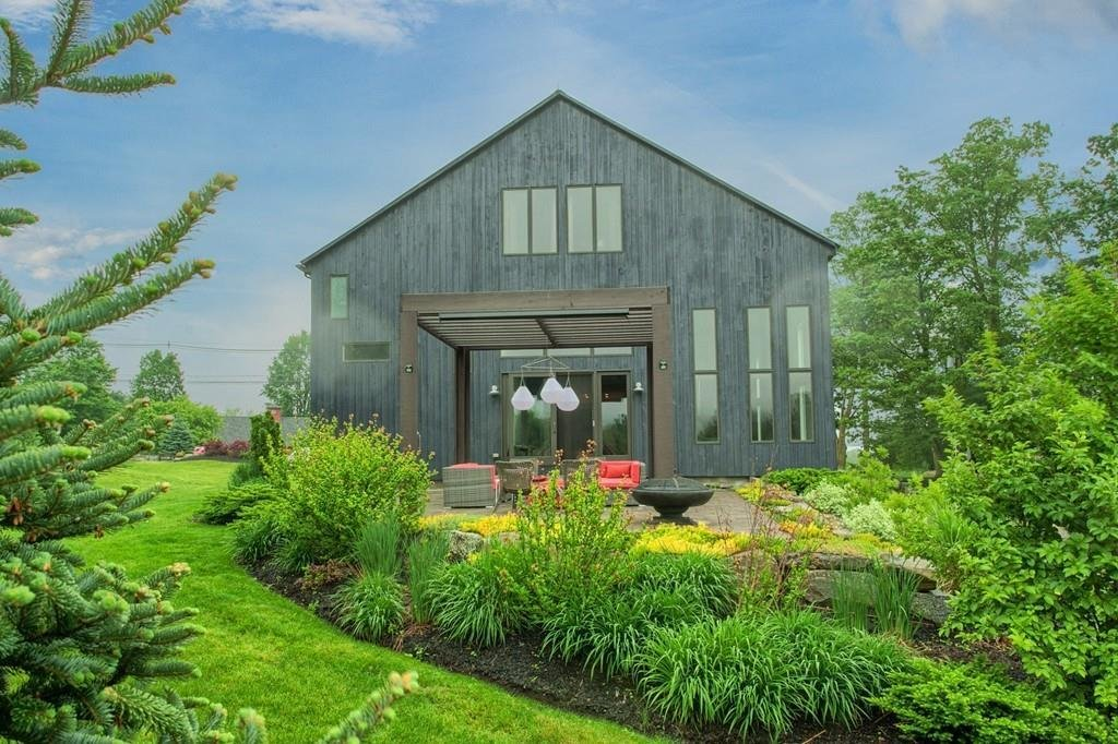 1870s Dairy Barn Home Conversion