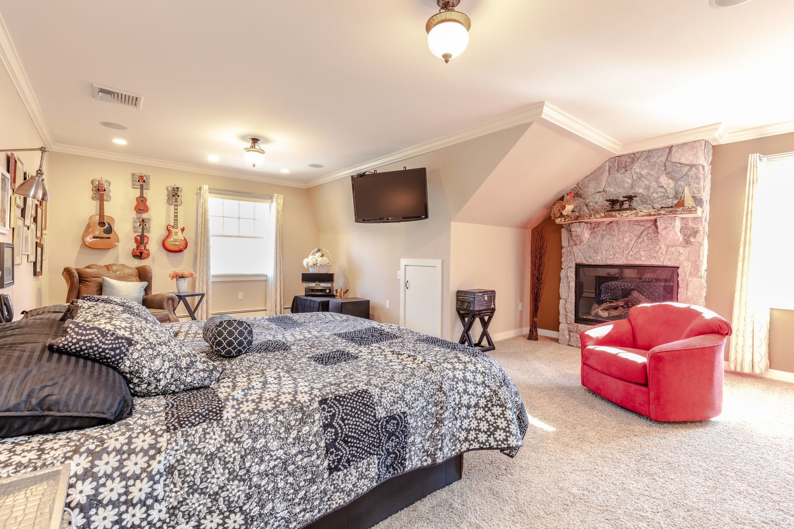 Bedroom, Bed, Ceiling Lighting, Recessed Lighting, and Chair  Shingle Style Rustic Chic