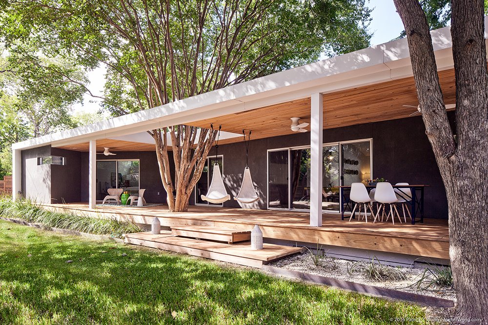 Outdoor and Back Yard  Y House by coxist studio