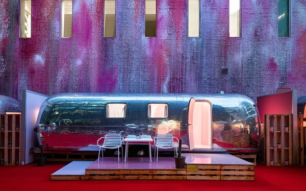 A Bold Airstream Hotel Tops a Melbourne Parking Garage