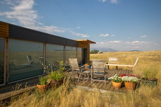 This Awesome Shipping Container Home Can Be Yours For $125K - Photo 2 of 5 -