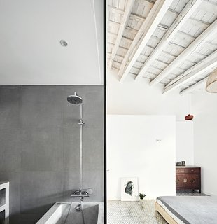 Can This Renovated, Loft-Like Home in Spain Be Any Dreamier? - Photo 5 of 10 -