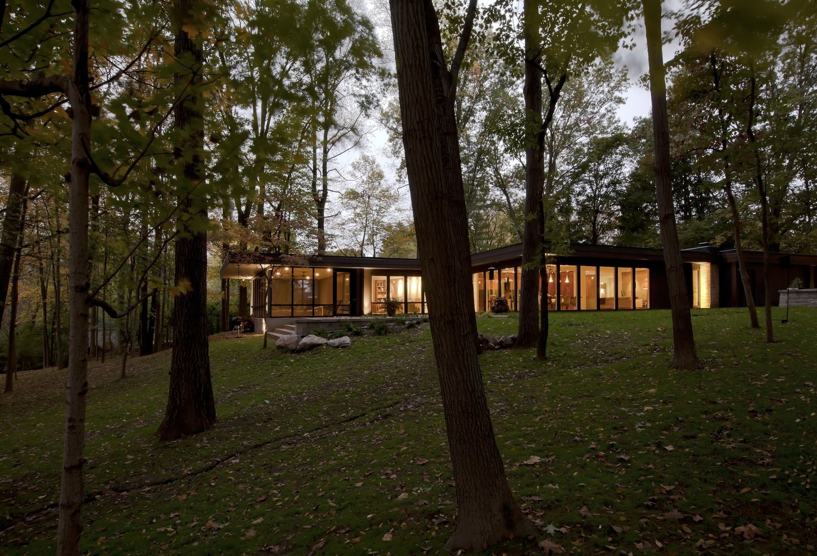 Exterior, Flat RoofLine, House Building Type, Mid-Century Building Type, and Wood Siding Material  MCM 220 by HAUS | Architecture For Modern Lifestyles