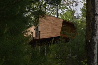Sleep in This Romantic Tree House Just Outside NYC - Photo 1 of 10 -
