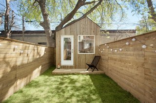 This Architect's Tiny Studio Is the Ultimate Backyard Workspace