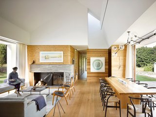 A LEED Gold Weekend Home Embraces the Ontario Landscape - Photo 4 of 16 -