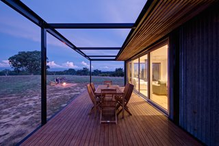 An Off-the-Grid Prefab in Australia Uses Salvaged Iron as Camo - Photo 3 of 4 -