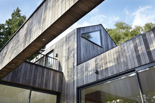 Raised in Just 10 Days, This Airtight Prefab Is a Lesson in Efficiency - Photo 2 of 10 -