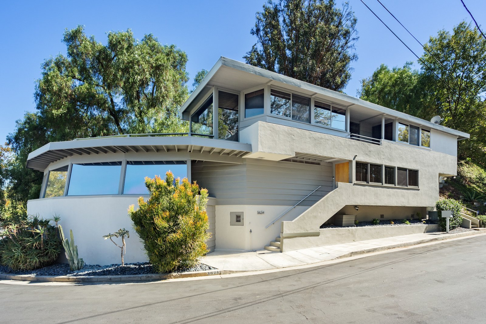 Exterior, House Building Type, and Mid-Century Building Type  Photo 6 of 17 in A Midcentury Schindler Gem With a Writer's Studio Asks $2.3M