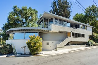 A Midcentury Schindler Gem With a Writer's Studio Asks $2.3M - Photo 5 of 16 -