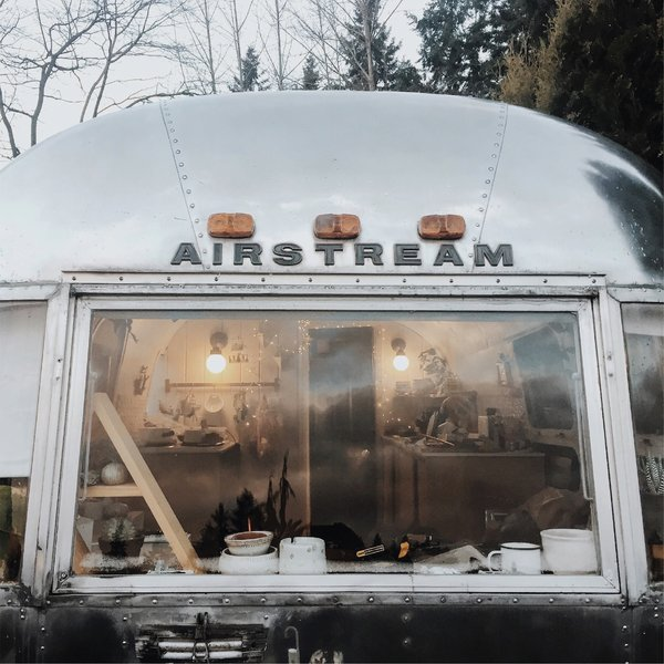 18 Ideas That Will Transform: Photo 17 Of 18 In A Couple Transform A Vintage Airstream