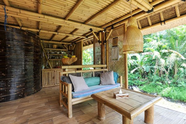 This Serene Bamboo Bungalow Rental Is a Slice of Paradise in Bali - Photo 8 of 14 -