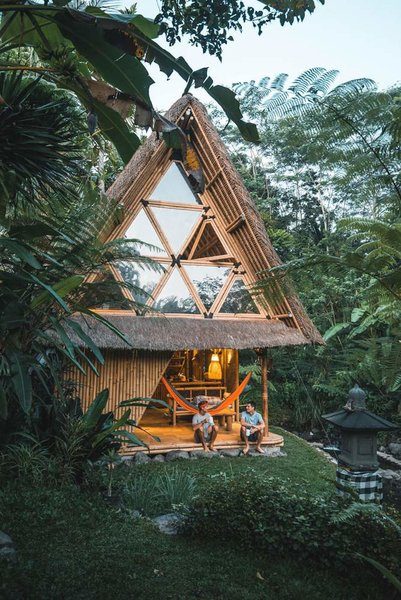 This Serene Bamboo Bungalow Rental Is a Slice of Paradise in Bali - Photo 5 of 14 -