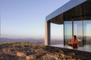 Go Stargazing in This Off-Grid Glass Prefab Nestled in the Desert - Photo 7 of 13 - The unit provides the ideal setting for those looking to disconnect.