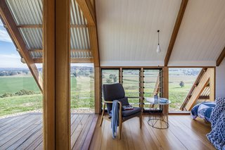 Sustainably sourced Australian hardwoods are used throughout the tiny dwelling, while handcrafted details evoke the character of the surrounding agricultural buildings.