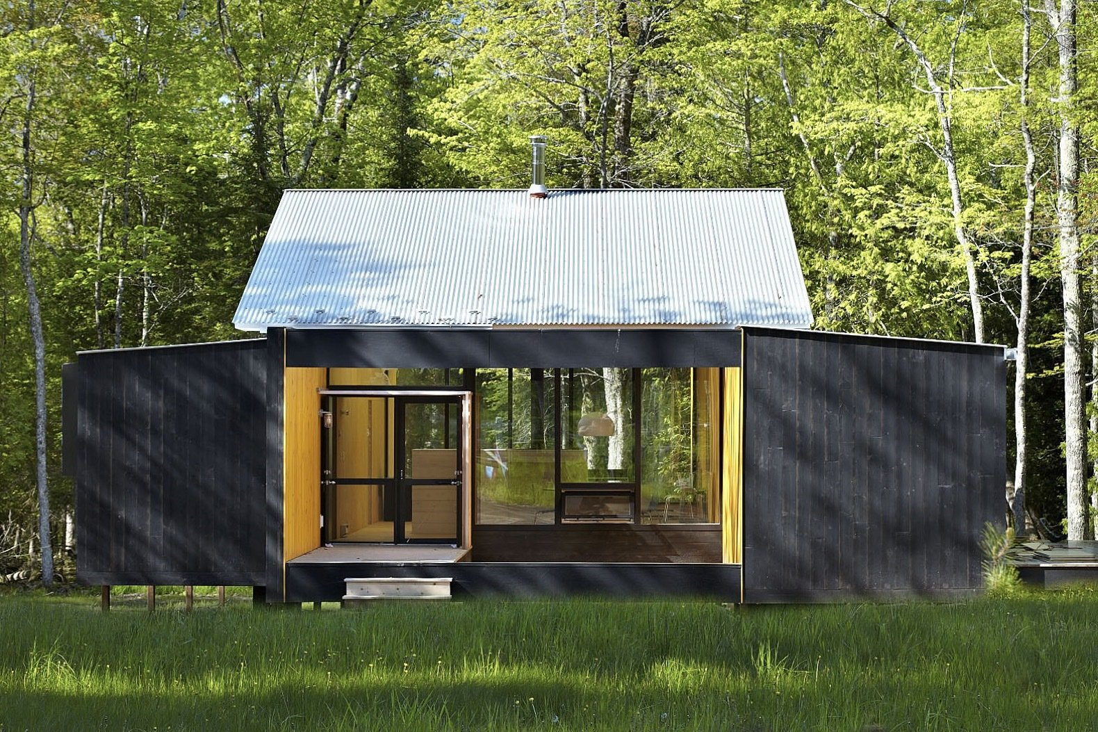 The Week'nder was constructed from two prefabricated modules.