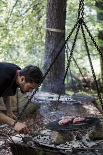 Stedsans in the Woods also offers a more DIY approach to dinner on weekdays, when guests are taught how to cook their meal over an open fire.